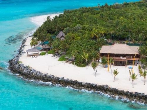 Cay: Necker Cay